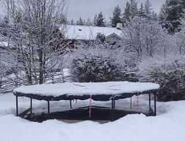 Ta hand om studsmattan under vintern!
